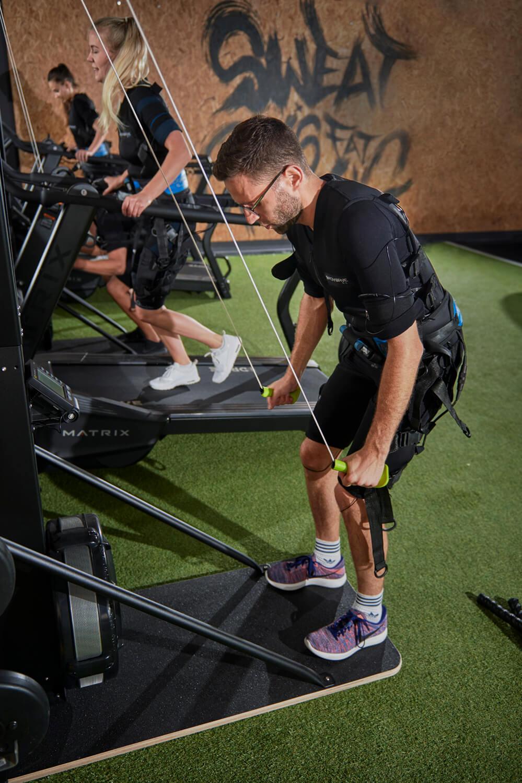 Fitnessstudio Hamburg: Kabelloses EMS-Training bei AREA3SIXTY